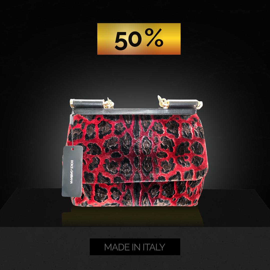 Produktpräsentation rote Tasche